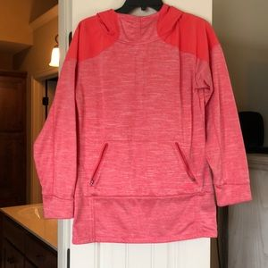 Comfy North Face pull over, it's a tangerine color